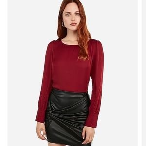 Puff sleeve top- beautiful red size small. Perfect
